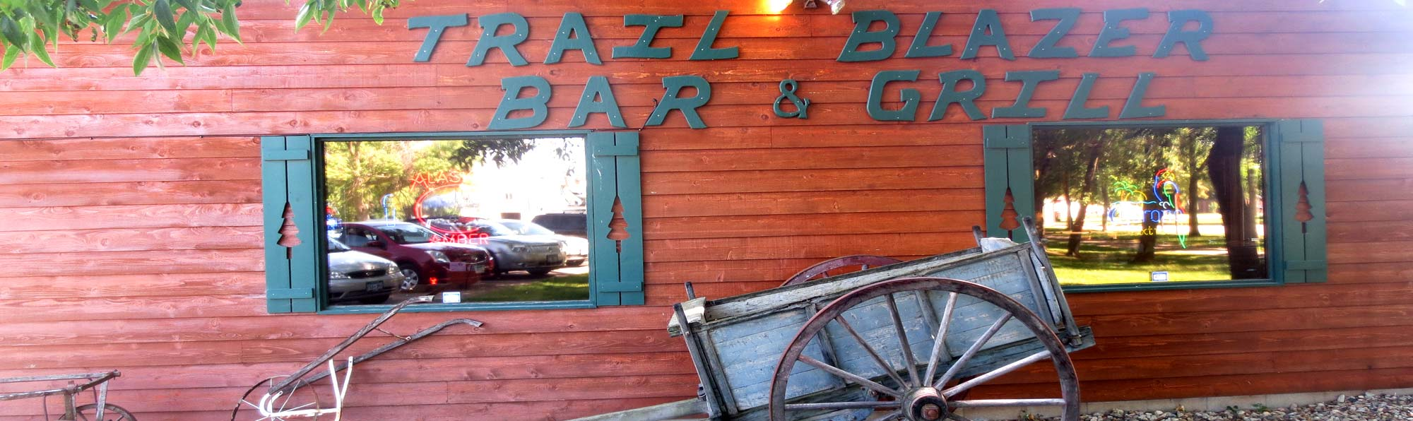 Exterior of Trailblazer Bar & Grill in Madison Lake, MN